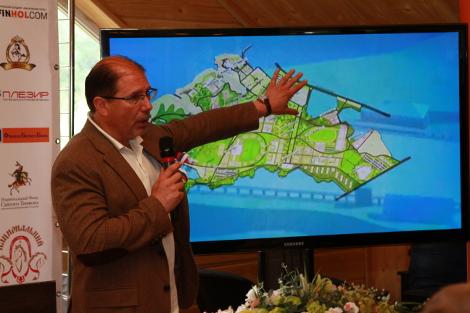 В ходе презентации для представителей малого и среднего бизнеса автор проекта Национального Конного Парка