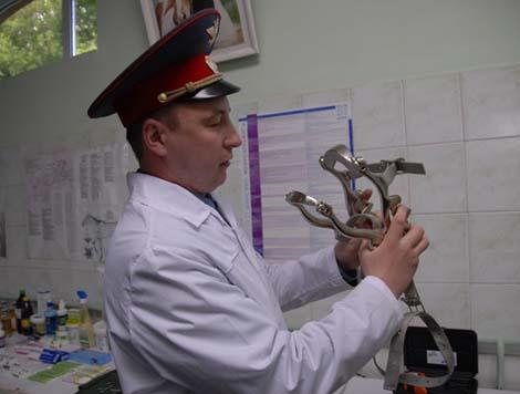 Медицинские инструменты в местной ветклинике напоминают орудия пыток.