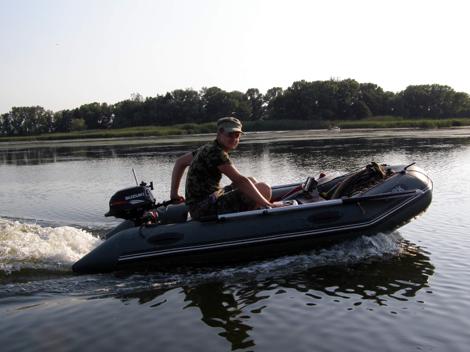 лодка и мотор для одного человека