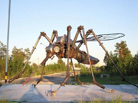Памятник комару-нефтесосу Ноябрьск