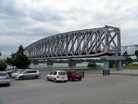 Памятник мосту Новосибирск