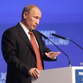 В.Путин: Для выхода из кризиса надо менять модель экономического развития