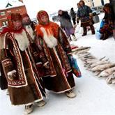 Охотники и рыболовы на рынке Салехарда