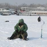 Рыбалка на Волге - по последнему льду