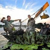 Речной дозор: как ловят рыбаков-браконьеров?  (ВИДЕО)