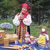 Деревянная шкатулка Шойгу и народные ремесла