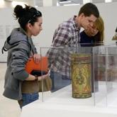Выставки: Дизайн русской упаковки, старинные картины, скульптуры из песка