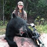 Школьница убила 200-килограммового медведя и съела его