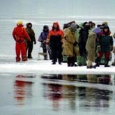 На Сахалине с оторвавшейся льдины спасли 675 рыбаков