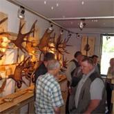 Выставки для охотников:  Cнаряжение, охотничьи картины, охотничьи трофеи