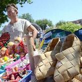 Народные промыслы: Вятский лапоть, турнир косарей и фестиваль косторезов